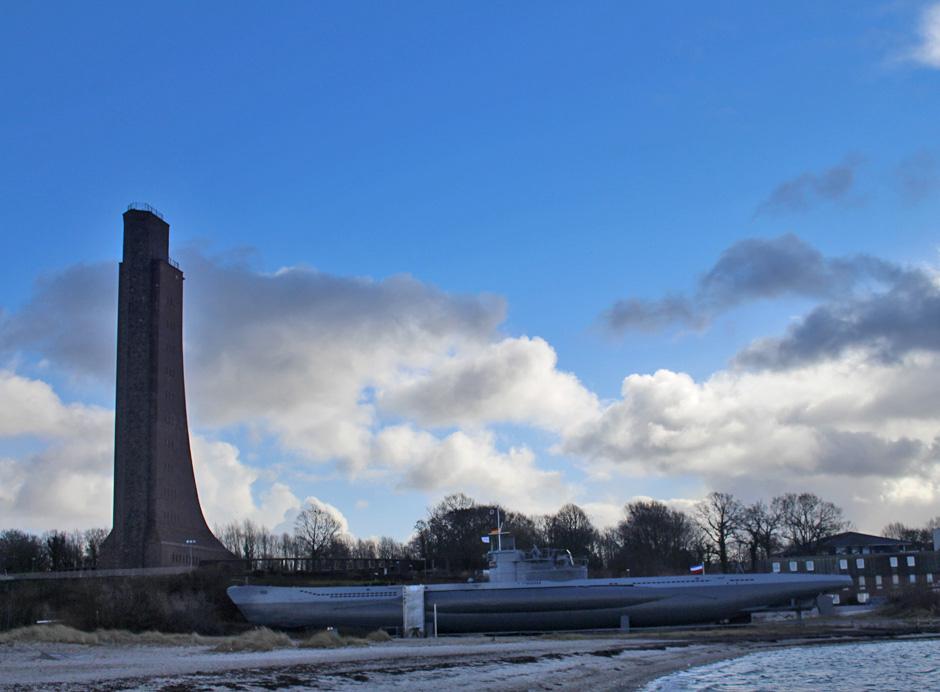 KaN_Laboe_Winter_Ehrenmal_UBoot_Foto(c)www.kielamnil.de