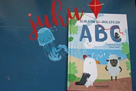 SchleswigHolsteinABC_Wachholtz_Reimebuch_Kinderbuch_Cover_FOTO(c)www.kielamnil.de Kopie